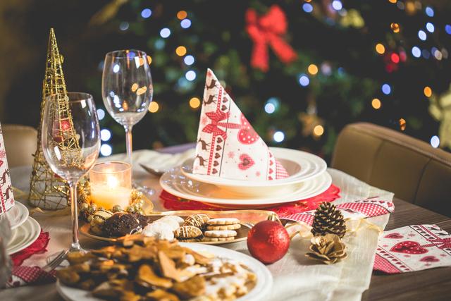 christmas dinner_1512594023563_73792169_ver1.0_640_480